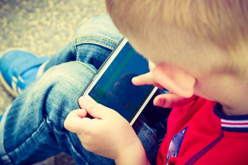 teaching kids responsible screen time